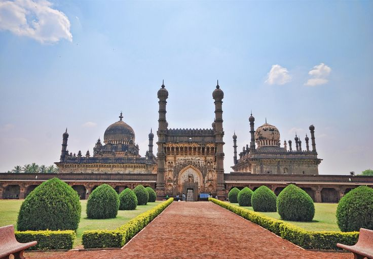 Ibrahim Rauza is one of the top five #historical #monuments in the heritage city of #India, Bijapur. The meaning of the word Rauza is said to be #tomb and the name is given to the structure because it houses the tomb of Ibrahim Adil Shah II of Adil Shahi #dynasty. There is a common believe that the structure was an inspiration for Shajahan to construct the world famous #TajMahal in #Agra. #history #attractions #traveldiaries