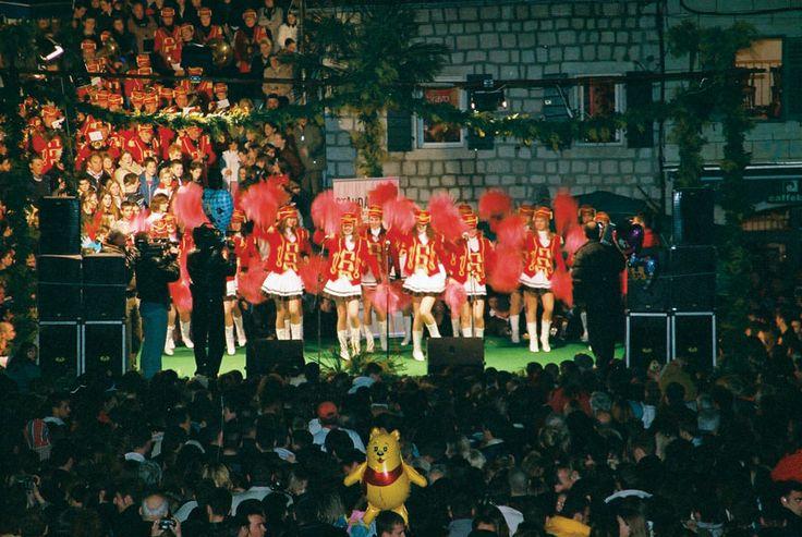 Mimoza festival Herceg Novi, Montenegro  Praznik mimoze