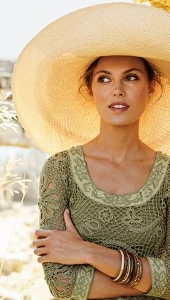 Love your dress, Babe, and your big floppy hat, too... ~~  Houston Foodlovers Book Club