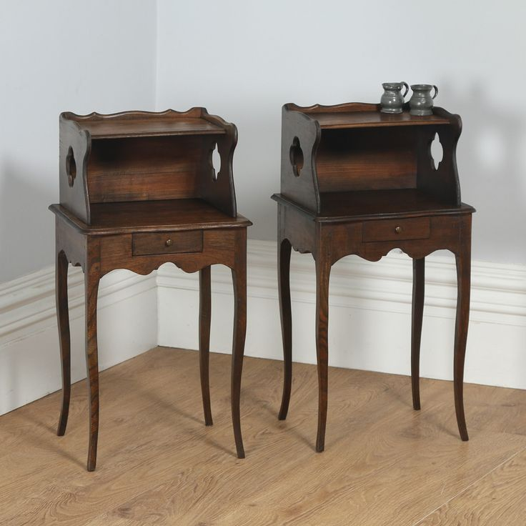 Antique Pair of French Louis XV Style Chestnut Bedsides / Nightstands (Circa 1920)