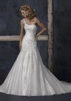 tonnants A-ligne une épaule robe de mariage en satin Chapelle