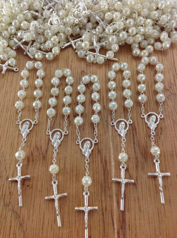 25 pcs Pearl Gold First communion favors Recuerditos Bautizo / Mini Pearl Rosary Baptism Favors on Etsy, $17.99