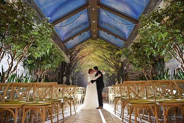 2018 Wedding Trends You Will Love Chapel Of The Flowers Blog Outdoor Wedding Venues Wedding Venues Luxury Wedding Venues