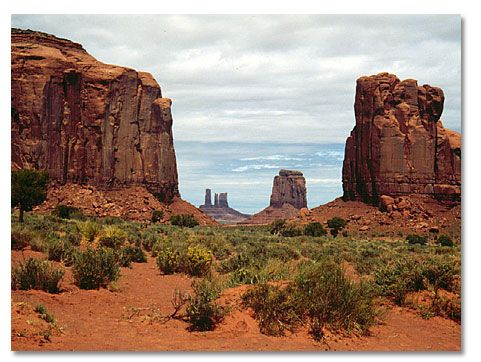 #Monument Valley is a Navajo Nation tribal park that preserves some of the most striking and recognizable landscapes of #sandstone buttes, mesas and spires in the entire #Southwest.