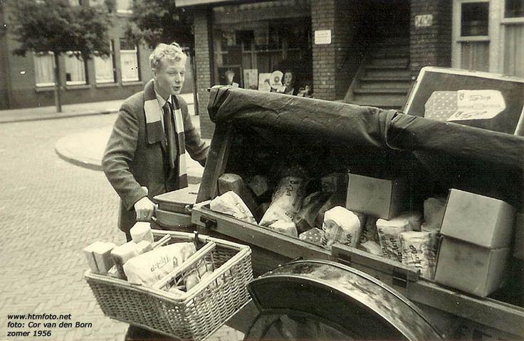 2-wielige bakkerswagen van Hus met Tip-top brood!