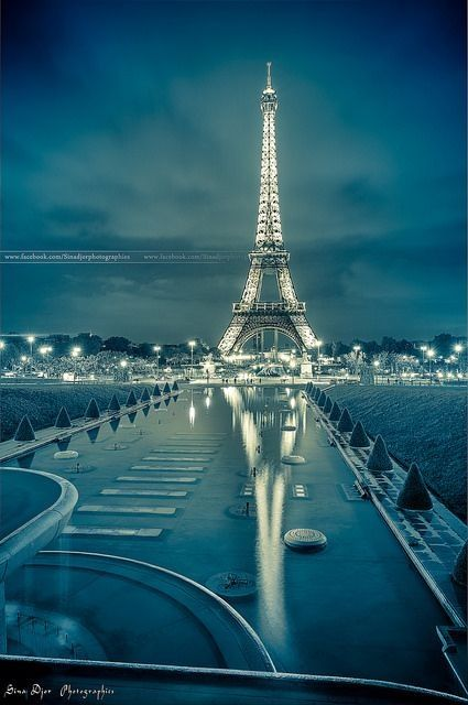 Blue Eiffel | La Beℓℓe ℳystère