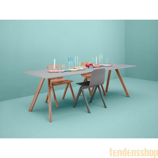 Copenhague CPH 30 bordet fra Hay er inspireret af den gamle bukke stol. Fås i flere varianter #hay #copenhague #spisebord #boligindretning