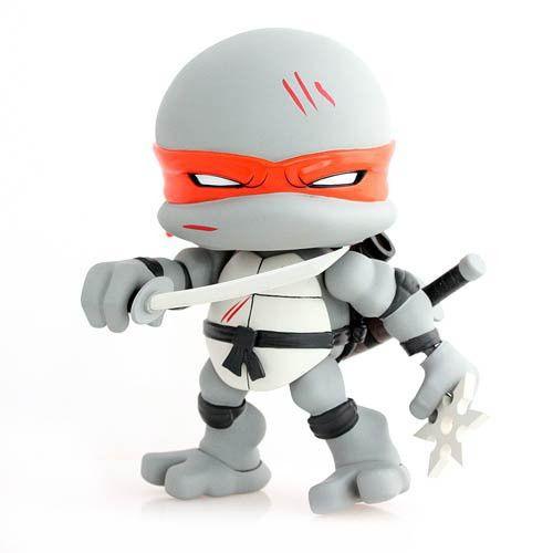 Teenage Mutant Ninja Turtles Leonardo Battle Damage Edition 8-Inch Action Vinyl Figure