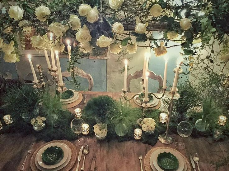 Gorgeous #tabledecor for a #intimatewedding by @violamalva  #tuscany  #greenery #naturalchic
