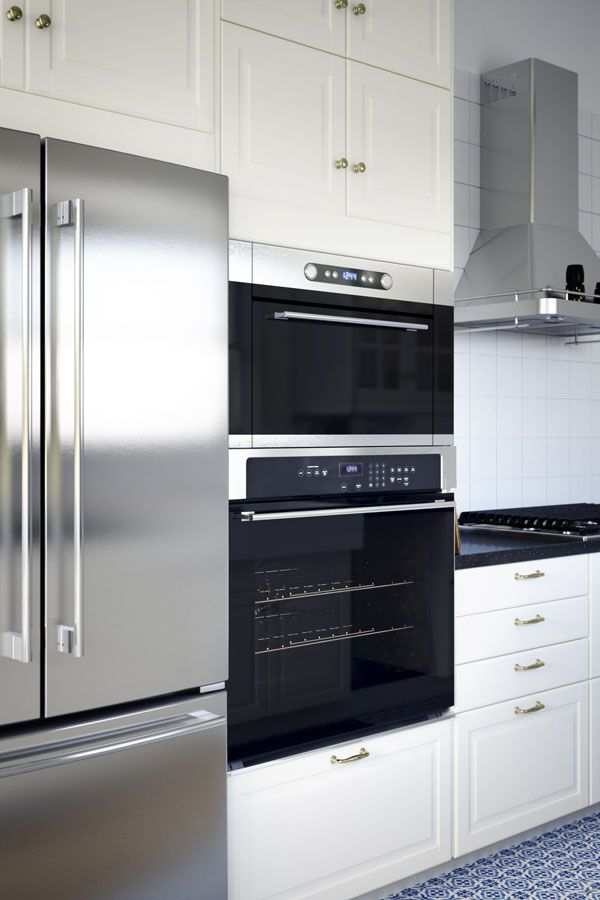 IKEA ovens are designed to suit a variety of cooking styles by offering a wide range of functions and integrated accessories. That means, whether you're a frozen pizza lover, feeding a family, or working your way through classic cookbooks, you'll find an oven that's right for you.
