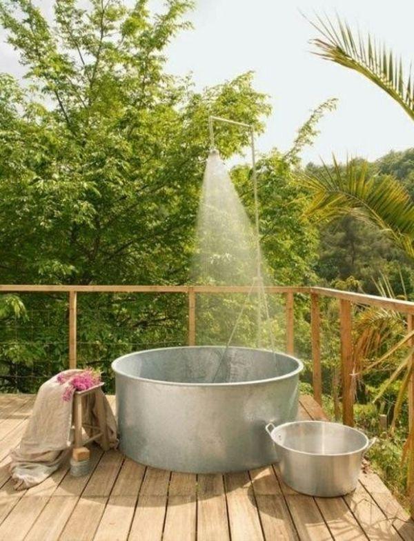 Le modèle de salle de bain extérieur- pureté pour l'esprit et le corp - modèle-de-salle-de-bain-vitnage-style-alouminium