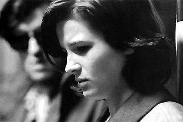 """"""" Dell'amore non ho visto che l'ombra, anzi l'ombra di un'ombra. Come quando vedi in un lago il riflesso di un fiore che si agita al ritmo delle onde. L'immagine del fiore sfugge allo sguardo. Come succede a me nel mondo che mi circonda..."""" Jean-Luc Godard, Je vous salue, Marie – 1985"""