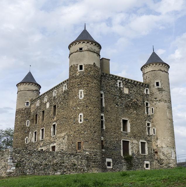 Château (c. 1470) de Bon Repos à Haute-Jarrie (Isère, France) by Denis Trente-Huittessan, via Flickr