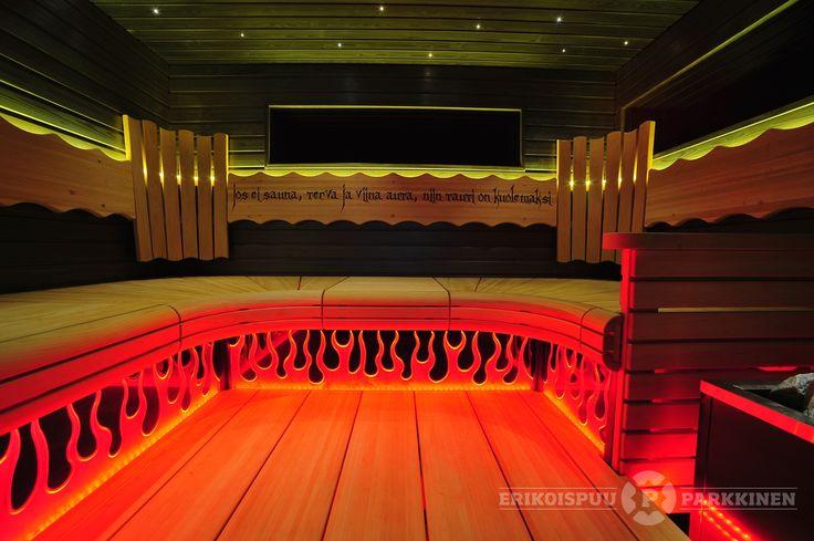 Tässä saunassa on asennetta!  #sauna #lauteet #erikoispuuparkkinen #saunabenches