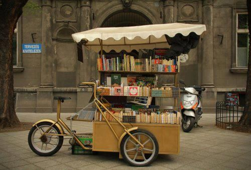 A book bike!  Cute and functional, combined!  Nice.