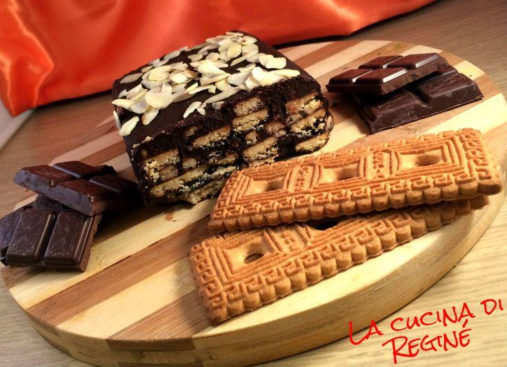 Mattonella fredda di cioccolato e biscotti