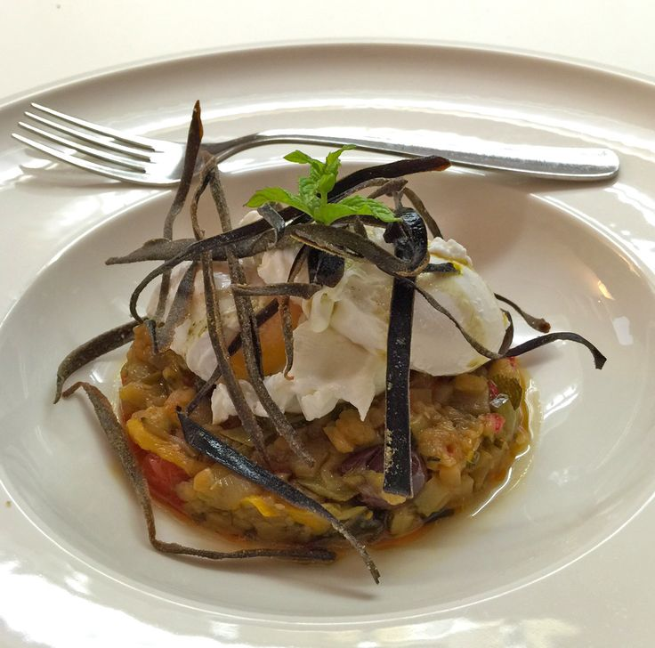 #Uovo in camicia caponatina estiva e #melanzana croccante profumate alla #menta #mangiaredadio #melanzane #vegetarian #recipe