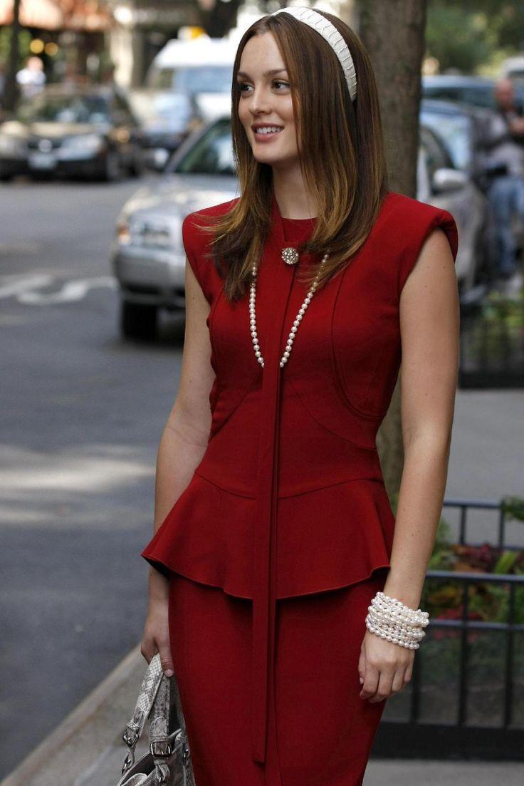 Blair Waldorf (Leighton Meester) in Victoria Beckham