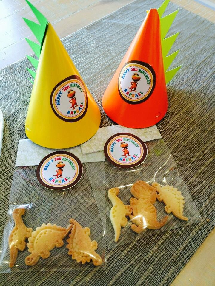 Dinosaur shortbread favours for a Dinosaur themed Birthday Party