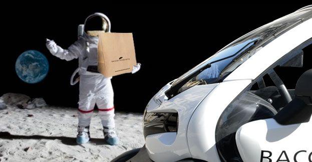 Correva l'anno 1969 quando il primo uomo sbarcò sulla Luna #NeilArmstrong Correva l'anno 2001 quando il primo #FoodLander dal futuro raggiunse la Terra #Bacchetteforchette #SelectedFoodDelivery #Milano
