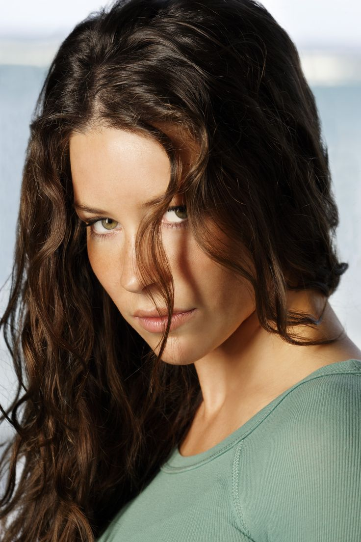 "Lost S3 Evangeline Lilly as ""Katherine 'Kate' Austen"""