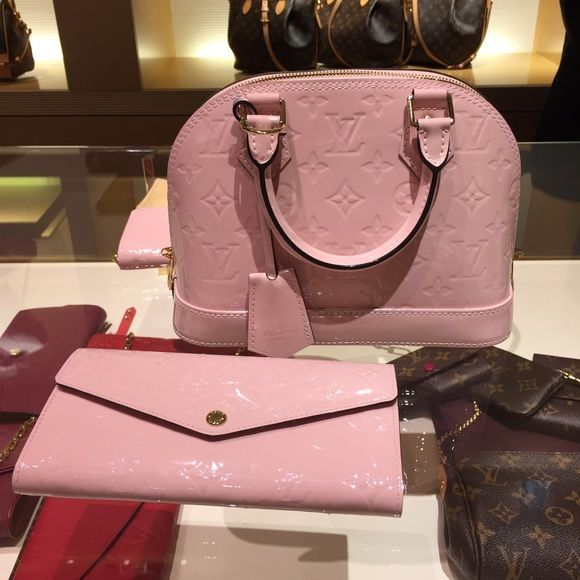 Louis Vuitton Rose Ballerine Alma BB
