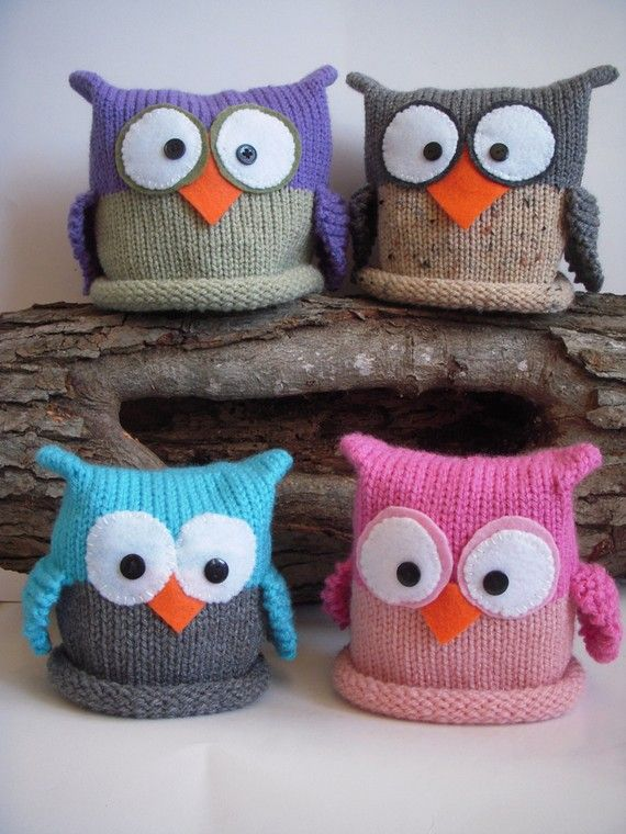 Knit owl hats: looks like a circular knit in 2 colors with