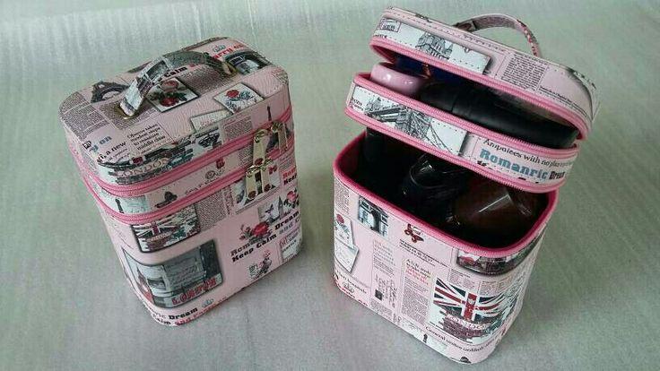 https://www.tokopedia.com/boxjam/tas-make-upbeutycase-motif-london-pink