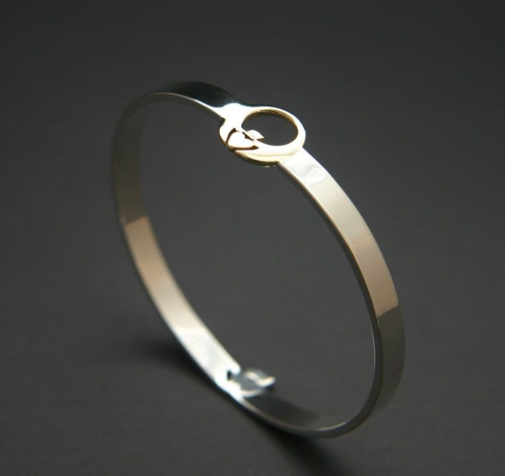 This exceptionally refined Claddagh bangle makes the ideal Irish ladies gift for your loved one. Available in gold and silver with free worldwide delivery when ordered through our website www.claddaghdesign.com