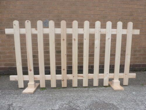 Build A Free Standing Outdoor Dog Fence Google Search