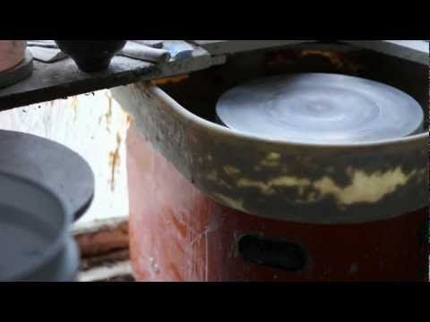Lari Robson, Ceramicist. - YouTube