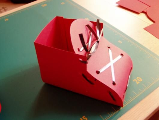 Nikolaus Schuh aus Papier basteln