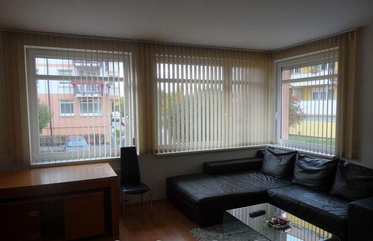 Квартира 1+КК, Прага 8, цена 151 800 евро http://portal-eu.ru/kvartiry/1-komn/1KK/realty115  Продажа квартиры 1+КК, 50 кв.м., Прага 8 – Либень, 151 800 евро  Предлагаем на продажу квартиру планировки 1+КК, площадью 50 кв.м.,  с мебелью, расположенную в районе Прага 8 – Libeň. Квартира расположена на 1 этаже пятиэтажного кирпичного дома. Квартира состоит из прихожей с гардеробом, далее расположена гостиная с кухней. Из прихожей также расположен вход в ванную комнату с туалетом и небольшую…