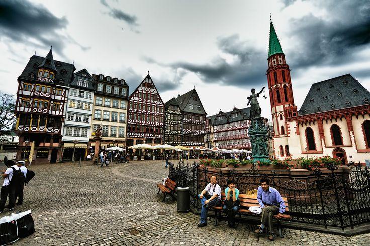 "Römerberg Square and ""Römer"" Town Hall, Frankfurt/Main, Hessen, Central Germany"