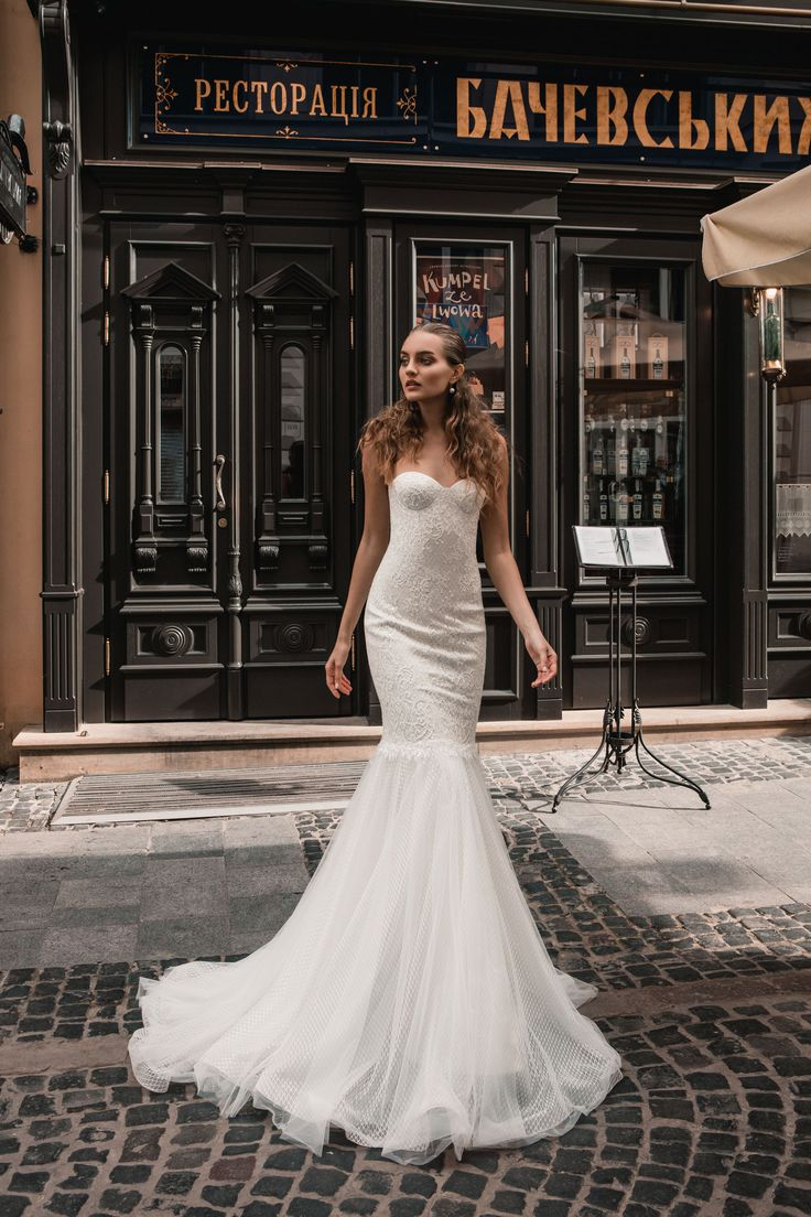 "Hurrem - Wedding dress by Kaya Nova (Bellezza e Lusso). Collection ""Prague"" / Свадебное платье от дизайнера Kaya Nova (Bellezza e Lusso). Коллекция ""Prague"" #lusso #lussodress #bellezzaelusso #designer #eveningdress #weddingdress #yourwedding #wedding #newcollection #collection2017 #weddingdresses2017 #kayanova"