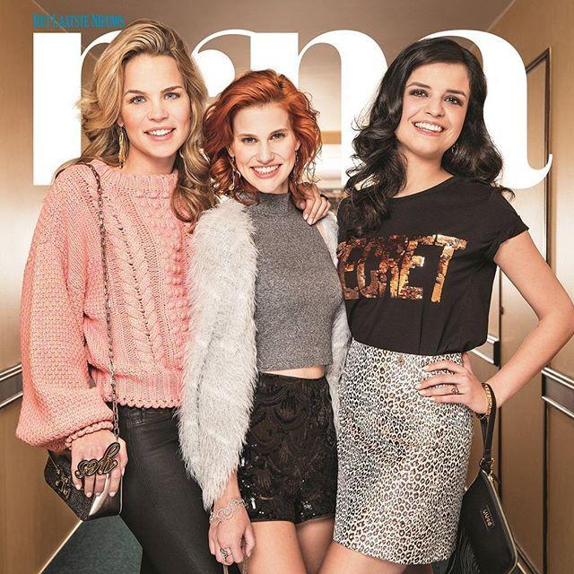 Zo zag je Klaasje, Hanne, Marthe nog nooit! Hun eerste glamourshoot staat morgen in Nina, de weekendbijlage van Het Laatste Nieuws. De drie dames sieren de cover, en geven een uitgebreid interview, geïllustreerd met een exclusieve glamourshoot. Deze foto is alvast een voorsmaakje ;-) #nina_hln #k3 #klaasje #hanne #marthe #glamour #denieuwek3 #k3zoektk3 @hannecarry @marthedep @klaasje_meijer
