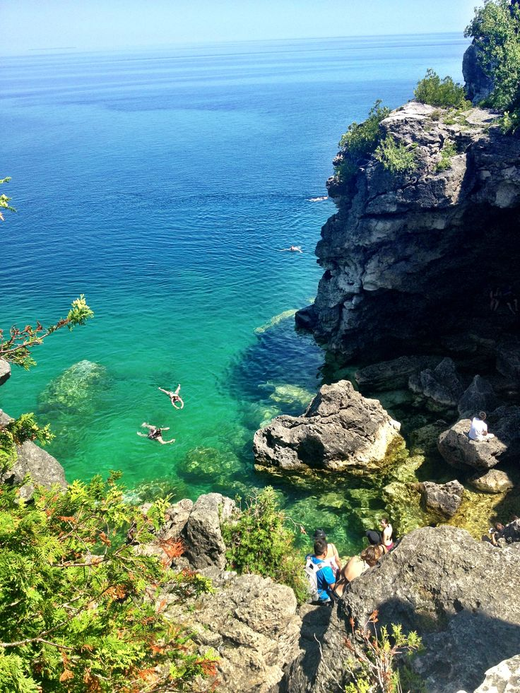 Grotto in Tobermory, Ontario, Canada. This is pretty much in my own backyard and I NEED to go there.