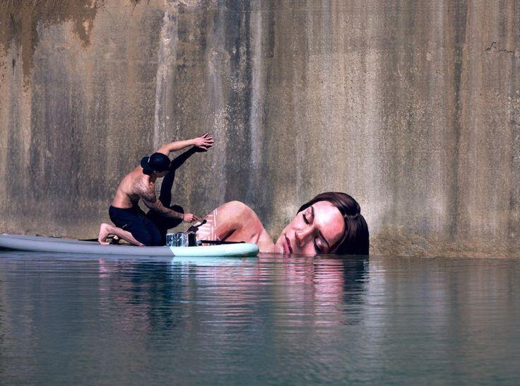 Artist Sean Yoro Paints Meticulous Seaside Murals While Balancing on His Surfboard  http://restreet.altervista.org/sean-yoro-dipinge-sugli-argini-dei-fiumi/
