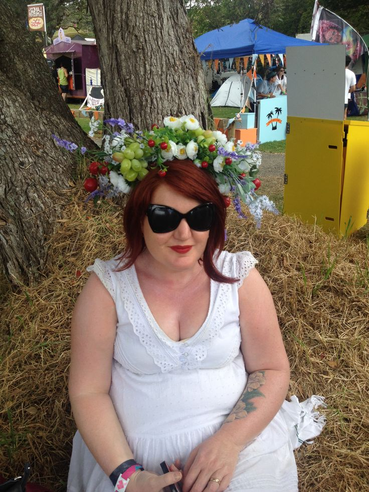 Floral head dress with style