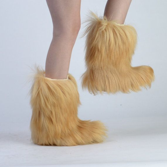17 Best Images About Fluffy Fuzzy Furry Boots Socks Slippers On Pinterest | Drops Design Fur ...