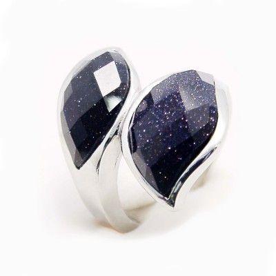 Ocelový prsten EXEED - 2 Black Stones (3856) Odkaz na WEBSHOP: http://www.ocelovesperky4u.cz/ocelove-prsteny/kamenove-prsteny/ocelovy-prsten-exeed-2-black-stones-3856