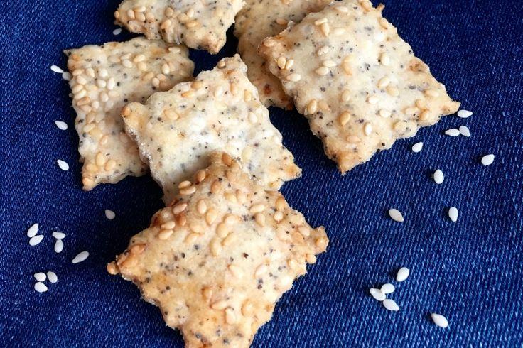 Szezámmagos-mákos kréker glutén, tej, tojás sütőpor és élesztőmentesen