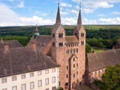 Westwerk Luftbild Schloss Kloster Corvey an der Weser Höxter (c) Kulturkreis Höxter-Corvey gGmbH