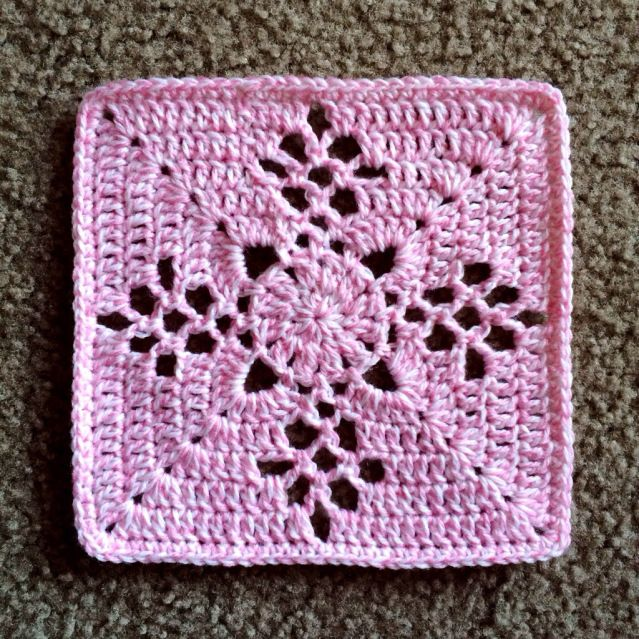 mystery square, free pattern from cypresstextiles.