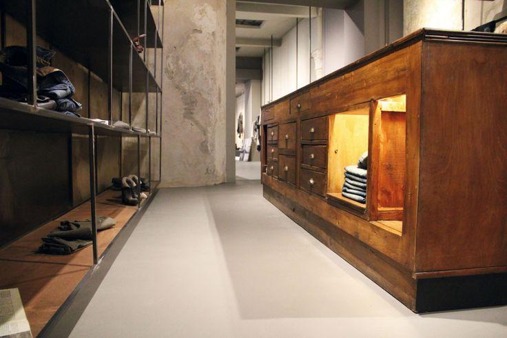 Ambiente Commerciale realizzato con ECOMALTA Oltremateria http://www.marocchidesign.it/marocchihabitat/superfici