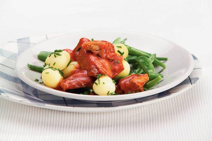 Haring in tomatenroomsaus - Recept - Allerhande