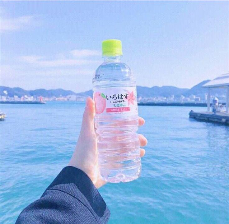 фото корейца в воде это