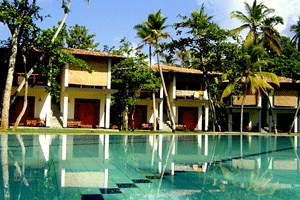 Talalla Surf Camp, Sri Lanka via http://www.talallasurfcamp.com/roomsresort