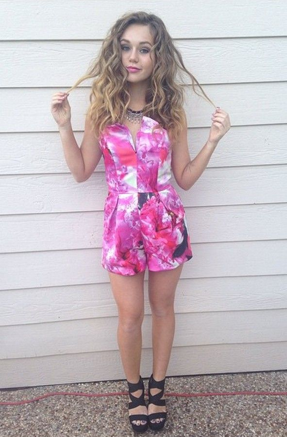 Brec Bassinger BREC BASSINGER Bella The Bulldogs