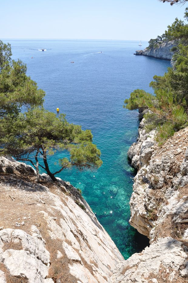 17 best images about calanques de marseille cassis on pinterest belle turquoise and beaches. Black Bedroom Furniture Sets. Home Design Ideas